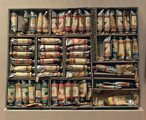 Churchill_box_of_paints_DMA_Reves_Collection
