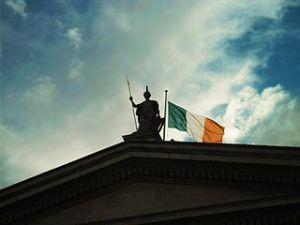 Ireland_flag_in_Dublin